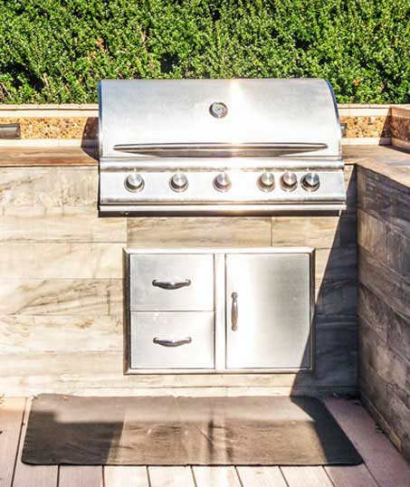 Land Master Contracting Ltd. Outdoor Kitchen Services